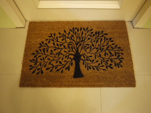 gal at home house tour floor mat white tree of gondor