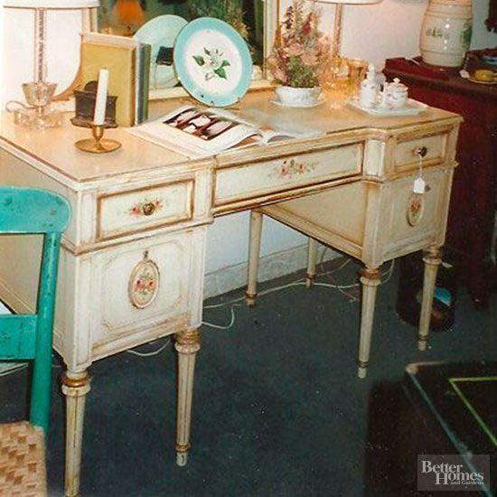 FurnitureMakeovers-WorkDeskBEFORE